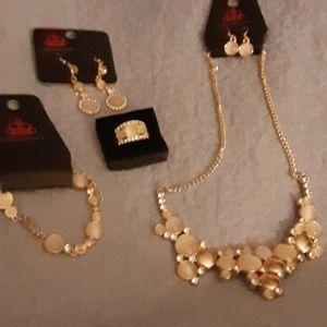 Paparazzi jewelry set